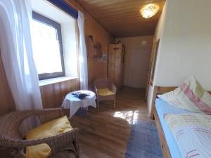 Einzelzimmer mit Blick zur Tür